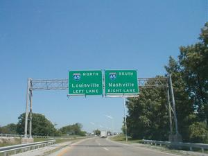 Signage for the I-65 exit from KY 446 in Bowling Green.