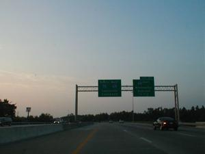 Signage for the eastern I-64 interchange with I-75 in Fayette County. (July 5, 2003)
