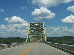 Entering the Matthew E. Welsh Bridge over the Ohio River (Aug. 15, 2004).