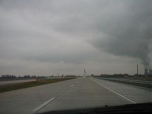 Approaching the William H. Natcher Bridge on US 231 northbound. (October 26, 2002)