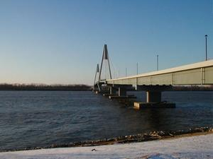The William H. Natcher Bridge viewed from its landing on the Kentucky side. (February 8, 2003)