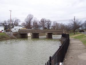 US 68/US 150/KY 52 bridge over the Chaplin River in Perryville.