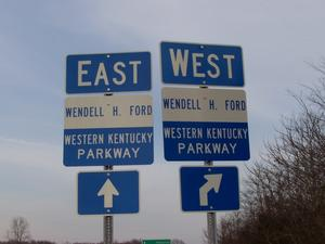 Western Kentucky Parkway: Signage